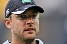 Daniel Vettori coaches IPL team RCB.